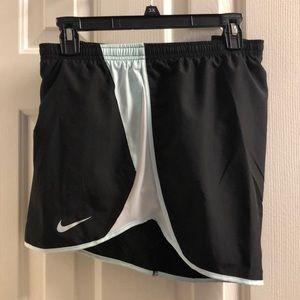 Womens NIKE plus dry tempo shorts 3x NWT